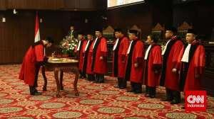 Hakim MK Memutuskan bahwa Nikah Beda Agama Merupakan Pelanggaran atas Undang-Undang