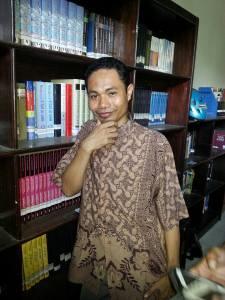"Syamsudin Kadir, Penulis buku ""Politik Sambalado"""