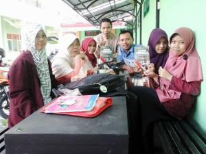 Bersama dengan Pegiat PENA di IAI Bunga Bangsa Cirebon