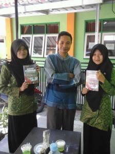 pembaca-buku-3